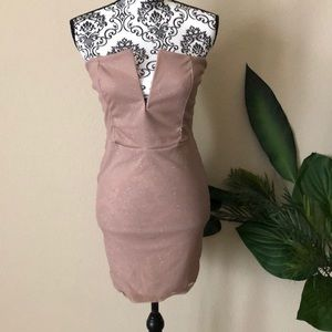 Strapless plunging bodycon